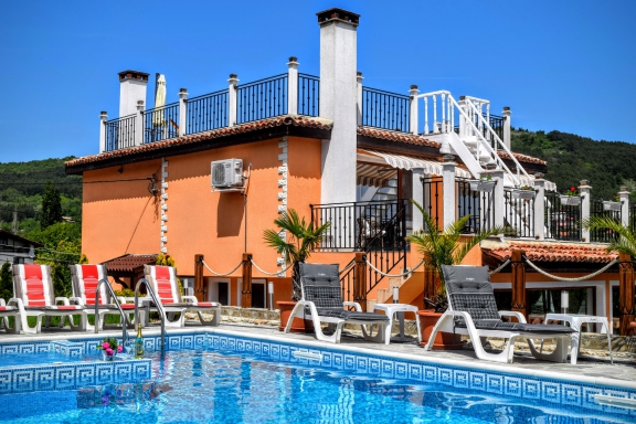 Luxury Boutique Villa Rosa dei Venti, with Heated pool and sea view, close to the Botanical Gardens of Balchik., Picture 1