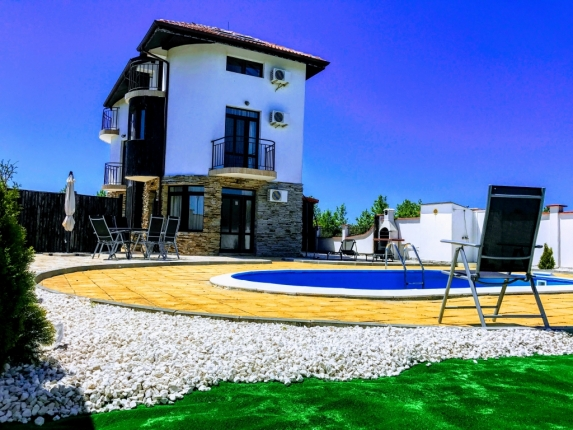 "Villa ""Black Sea Ramma"", 50m from the Black Sea Rama Golf Course."