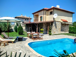 "House for rent for 6 people 6 km from Balchik, ""Villa Sokolovo."""
