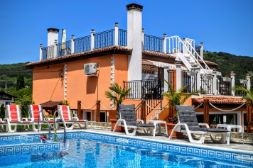 Luxury Boutique Villa Rosa dei Venti, with pool and sea view in Balchik.